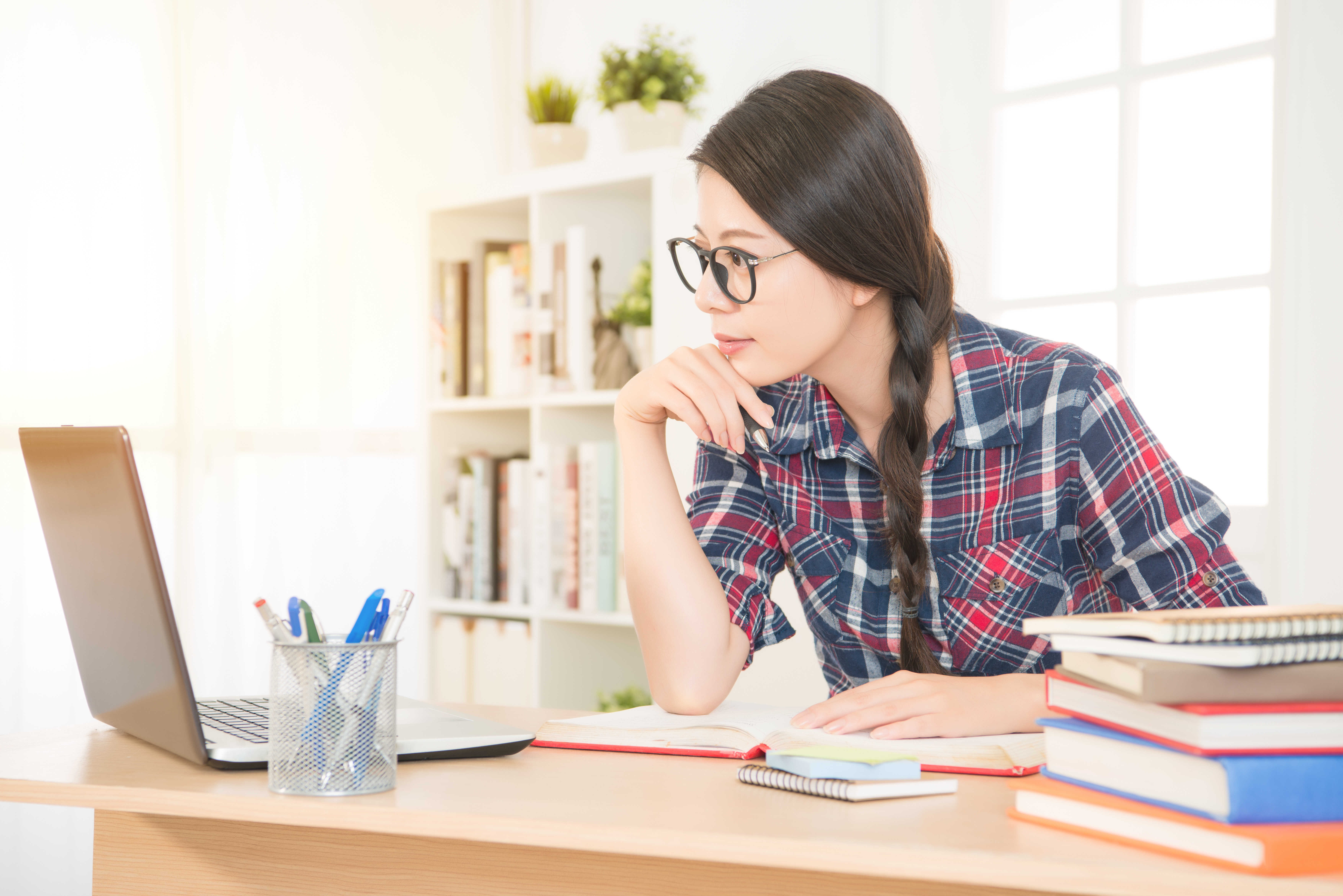 Pomoce do nauki języka angielskiego - Co wybrać, gdy uczysz się samodzielnie?